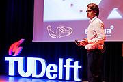 In Delft presenteert het HPT het ontwerp van de nieuwe fiets. In september wil het Human Power Team Delft en Amsterdam, dat bestaat uit studenten van de TU Delft en de VU Amsterdam, tijdens de World Human Powered Speed Challenge in Nevada een poging doen het wereldrecord snelfietsen te verbreken. Het record is met 139,45 km/h sinds 2015 in handen van de Canadees Todd Reichert.<br /> <br /> With the special recumbent bike the Human Power Team Delft and Amsterdam, consisting of students of the TU Delft and the VU Amsterdam, also wants to set a new world record cycling in September at the World Human Powered Speed Challenge in Nevada. The current speed record is 139,45 km/h, set in 2015 by Todd Reichert.