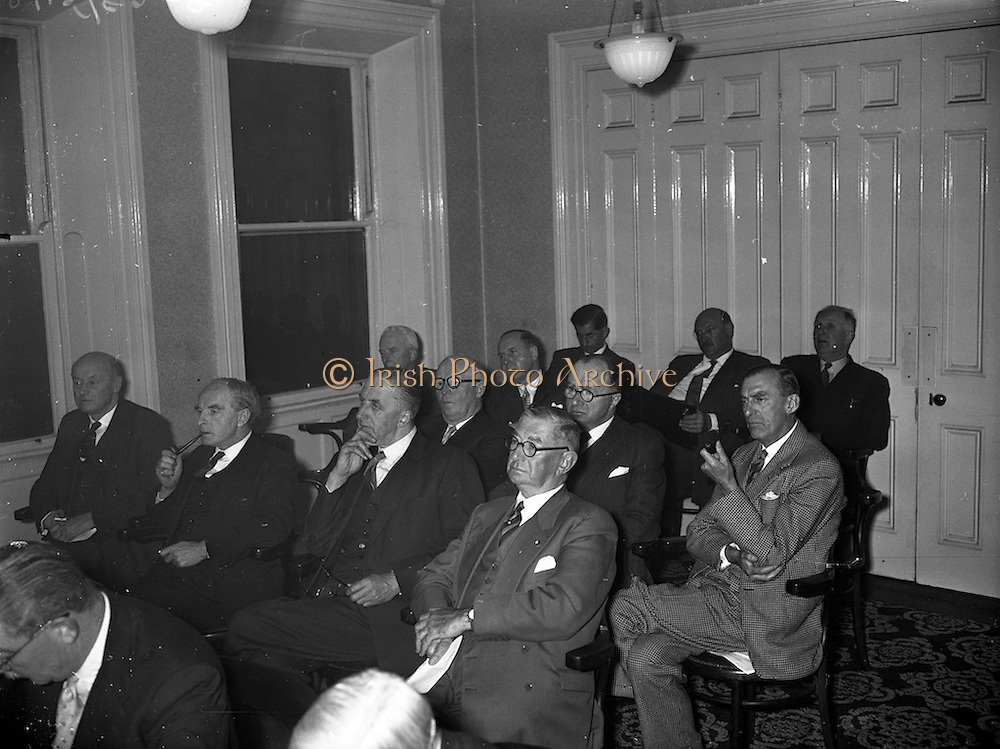 21/05/1959<br /> 05/21/1959<br /> 21 May 1959<br /> Associated Chamber of Commerce Annual General Meeting at the Commercial Buildings, Dame Street, Dublin. Some of the delegates who attended the meeting, included are: Mr. A. Pierce (Longford); Mr. F. Summerfield (Dublin); Mr. P. Moylan (Ennis);  Mr. T.J. Kelly (Longford); Mr. J.T. Crampton (Dublin); Mr. H. O'Donovan (Cork); Mr. G. Nolan (Cork); Mr. L. Fine (Limerick); Mr. M. Maguire (Limerick) and Mr. R. Wynne (Sligo).