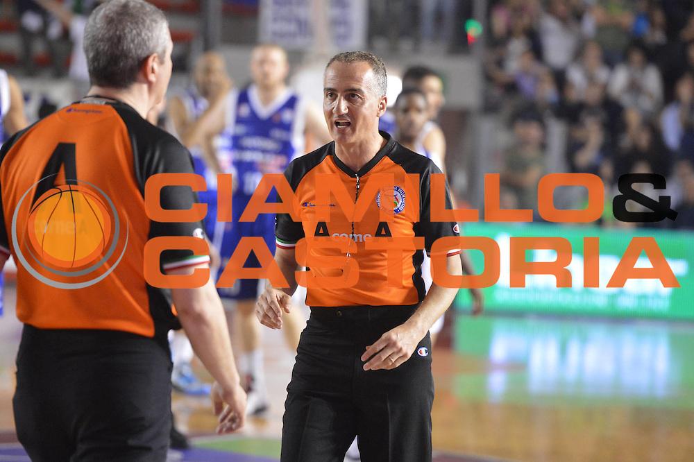 DESCRIZIONE : Roma Lega A 2012-2013 Acea Roma Lenovo Cant&ugrave; playoff semifinale gara 2<br /> GIOCATORE : Arbitro Paternico<br /> CATEGORIA : <br /> SQUADRA : Lenovo Cantu<br /> EVENTO : Campionato Lega A 2012-2013 playoff semifinale gara 2<br /> GARA : Acea Roma Lenovo Cant&ugrave;<br /> DATA : 27/05/2013<br /> SPORT : Pallacanestro <br /> AUTORE : Agenzia Ciamillo-Castoria/GiulioCiamillo<br /> Galleria : Lega Basket A 2012-2013  <br /> Fotonotizia : Roma Lega A 2012-2013 Acea Roma Lenovo Cant&ugrave; playoff semifinale gara 2<br /> Predefinita :