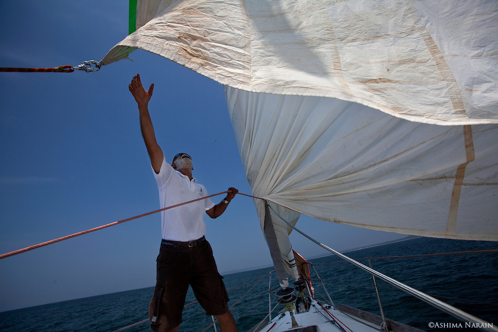 Commander Dilip Donde completed a solo circumnavigation aboard the 56 foot Mhadei in 2010. In 2012, his protégé, Lieutenant Commander Abhilash Tomy is completed this journey non-stop. He is the 1st Indian and about the 80th person in the world to have accomplished this.<br /> Before his departure from Mumbai, the boat had to be brought from Goa. I travelled with Commander Dilip Donde & Lieutenant Commander Abhilash Tomy on this journey.