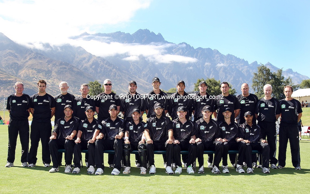 New Zealand one day cricket team and management pose for a team photo with the Remarkables mountain range in the background.<br />