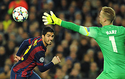 Manchester City's Joe Hart makes a save from Barcelona's Luis Suarez's shot - Photo mandatory by-line: Dougie Allward/JMP - Mobile: 07966 386802 - 18/03/2015 - SPORT - Football - Barcelona - Nou Camp - Barcelona v Manchester City - UEFA Champions League - Round 16 - Second Leg