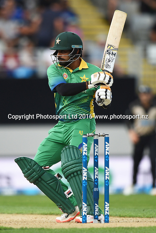 Mohammad Hafeez batting during the Twenty20 match between New Zealand Black Caps and Pakistan at Eden Park in Auckland, New Zealand. Friday 15 January 2016. Copyright photo: Andrew Cornaga / www.photosport.nz