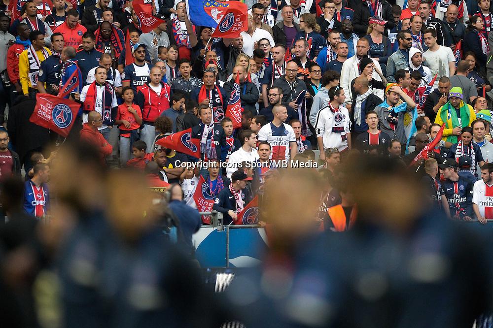 Supporters PSG - 30.05.2015 - Auxerre / Paris Saint Germain - Finale Coupe de France<br />Photo : Andre Ferreira / Icon Sport