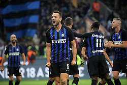 October 21, 2018 - Milan, Milan, Italy - Stefan De Vrij #6 of FC Internazionale Milano celebrate a victory at the end of the serie A match between FC Internazionale and AC Milan at Stadio Giuseppe Meazza on October 21, 2018 in Milan, Italy. (Credit Image: © Giuseppe Cottini/NurPhoto via ZUMA Press)