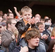 Applause - Dundee United v Hearts, Clydesdale Bank Scottish Premier League at Tannadice Park..© David Young Photo.5 Foundry Place.Monifieth.Angus.DD5 4BB.Tel: 07765252616.email: davidyoungphoto@gmail.com.http://www.davidyoungphoto.co.uk