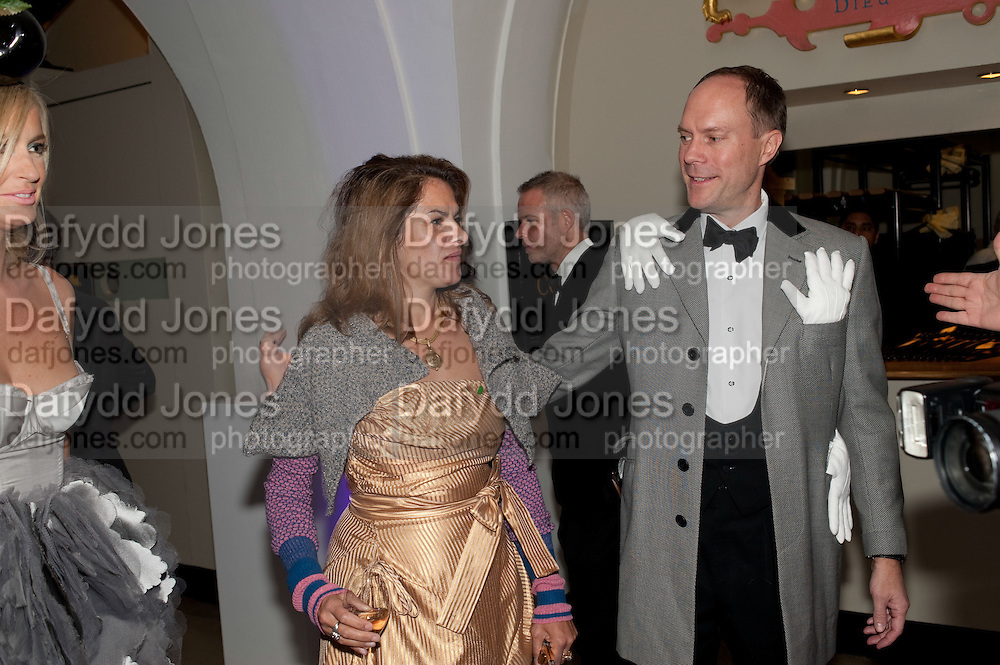 TRACEY EMIN; HARRY BLAIN; , The Surrealist Ball in aid of the NSPCC. Hosted by Lucy Yeomans and Harry Blain. Banqueting House. Whitehall. 17 March 2011. -DO NOT ARCHIVE-© Copyright Photograph by Dafydd Jones. 248 Clapham Rd. London SW9 0PZ. Tel 0207 820 0771. www.dafjones.com.