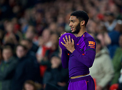 LONDON, ENGLAND - Saturday, November 3, 2018: Liverpool's Joe Gomez dries the ball with his shirt as he prepares to take a throw-in during the FA Premier League match between Arsenal FC and Liverpool FC at Emirates Stadium. (Pic by David Rawcliffe/Propaganda)
