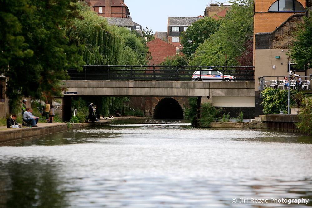 UK ENGLAND LONDON 12AUG07 - Islington Tunnel on the Regency Canal, viewed from the bow of a canal boat...jre/Photo by Jiri Rezac..© Jiri Rezac 2007..Contact: +44 (0) 7050 110 417.Mobile:  +44 (0) 7801 337 683.Office:  +44 (0) 20 8968 9635..Email:   jiri@jirirezac.com.Web:    www.jirirezac.com..© All images Jiri Rezac 2007 - All rights reserved.