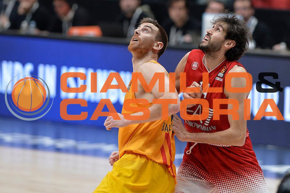 Davide Pascolo, Victor Claver<br /> EA7 Emporio Armani Olimpia Milano - FC Barcelona Lassa<br /> Milano, 23/02/2017<br /> Euroleague 2016/2017<br /> Foto Ciamillo - Castoria