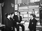 05/01/1989.01/05/1989.5th January 1989.The Aer Lingus Young Scientist of the Year Award at the RDS, Dublin..Picture shows Michael Smith, T.D., Minister for Energy with three pupils  (unknown) and their group project entitled 'The Shannon Scheme.'
