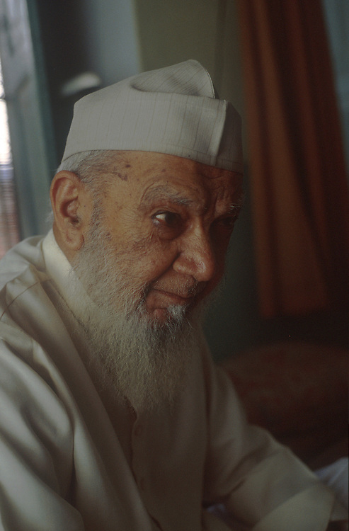photo: Nadav Neuhaus.The roots of the Taliban .India, October 2001..Mohatmin ( vice-chancellor ) of the Darul-uloom-Deoband is Maulana Marhabur Rehman