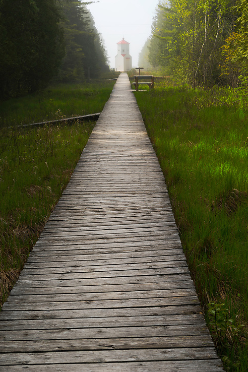 Range Light Boardwalk at The Ridges Sanctuary, Baileys Harbor, Wisconsin, USA.