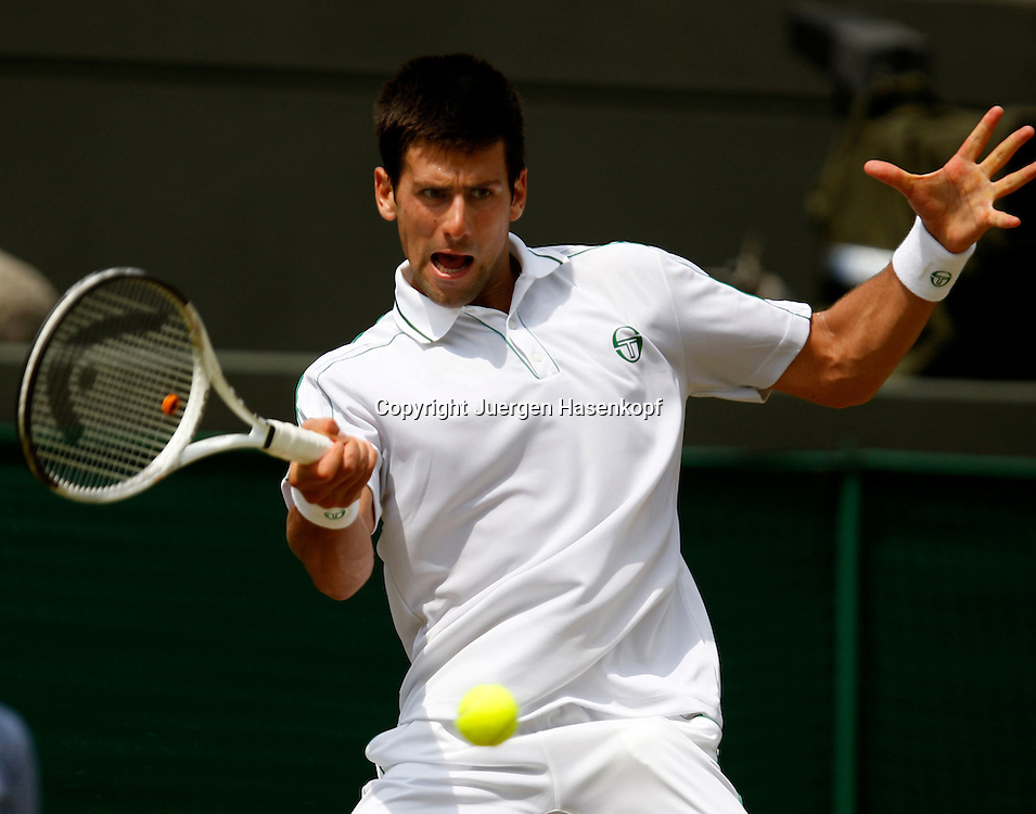Wimbledon 2010,Sport, Tennis, ITF Grand Slam Tournament, Novak Djokovic (SRB),..Foto: Juergen Hasenkopf..