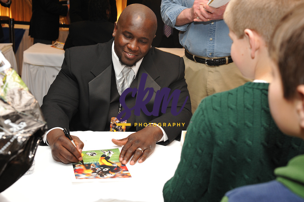 33rd Annual Ed Block Courage Awards Banquet was held Tuesday night at Martin's West in Woodlawn, MD, where a player from each NFL team as voted on by their teammates were honored for overcoming an adversity to rejoin them on the field.