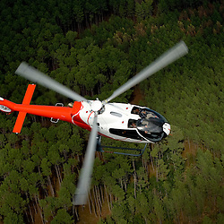 Portraits d'&eacute;l&egrave;ves de la formation initiale pilote. Vol d'entra&icirc;nement et maintenance par Helidax des h&eacute;licopt&egrave;res EC-120 NHE &agrave; l'Ecole d'Application de l'Aviation L&eacute;g&egrave;re de l'Arm&eacute;e de Terre (EAALAT).<br /> octobre 2010 / Dax / Landes (40) / FRANCE<br /> Cliquez ci-dessous pour voir le reportage complet (57 photos) en acc&egrave;s r&eacute;serv&eacute;<br /> http://sandrachenugodefroy.photoshelter.com/gallery/2010-10-Helicopteres-EC-120-NHE-de-lEAALAT-Complet/G0000.Vjv.w8HC5o/C0000yuz5WpdBLSQ