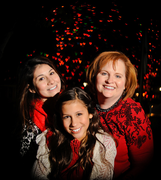 12/7/11 8:55:19 PM --  Medrano family photo shoot. December 7, 2011. Photo©Bahram Mark Sobhani