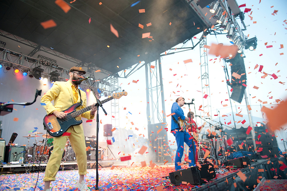 Photos of OK GO live at O'Fallon Heritage & Freedom Fest 7.4.2011 Photos of OK GO live at O'Fallon Heritage & Freedom Fest 7.4.2011