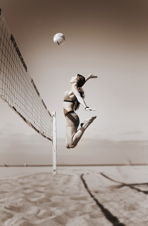 Woman playing volleyball at Point Dume in Malibu, CA - Fitness Photographer Robert Randall