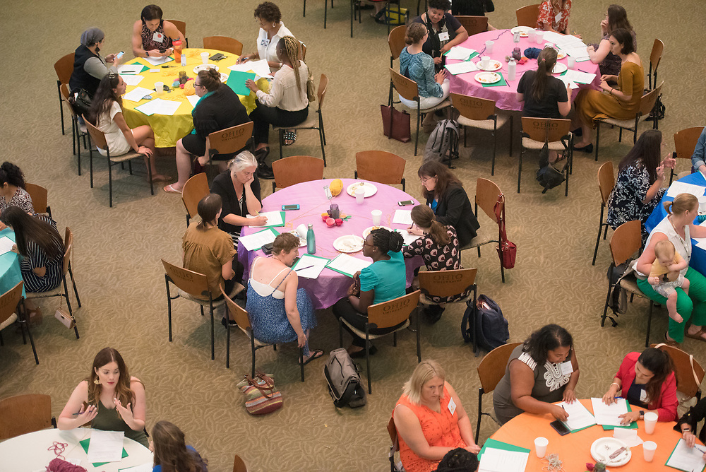 Mentors and mentees talk and fill out paper work together during the Women's Mentoring Meet and Greet event on Sept. 4, 2018 in Walter Rotunda. Photo by Hannah Ruhoff