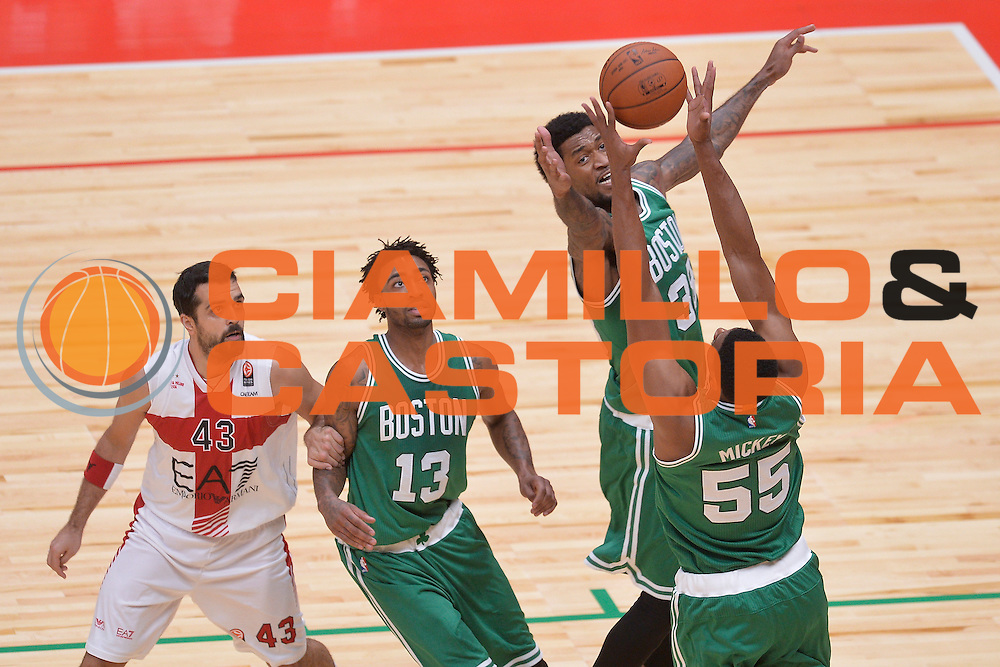 DESCRIZIONE : Milano NBA Global Games EA7 Olimpia Milano - Boston Celtics<br /> GIOCATORE : Jordan Mickey  Perry Jones<br /> CATEGORIA : Rimbalzo<br /> SQUADRA :  Boston Celtics<br /> EVENTO : NBA Global Games 2016 <br /> GARA : NBA Global Games EA7 Olimpia Milano - Boston Celtics<br /> DATA : 06/10/2015 <br /> SPORT : Pallacanestro <br /> AUTORE : Agenzia Ciamillo-Castoria/IvanMancini<br /> Galleria : NBA Global Games 2016 Fotonotizia : NBA Global Games EA7 Olimpia Milano - Boston Celtics