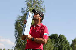 28.06.2015, Golfclub M&uuml;nchen Eichenried, Muenchen, GER, BMW International Golf Open, Tag 4, im Bild Pablo Larrazabal (ESP) mit dem Pokal in der Hand und kuesst ihn // during te finals of BMW International Golf Open at the Golfclub M&uuml;nchen Eichenried in Muenchen, Germany on 2015/06/28. EXPA Pictures &copy; 2015, PhotoCredit: EXPA/ Eibner-Pressefoto/ Kolbert<br /> <br /> *****ATTENTION - OUT of GER*****
