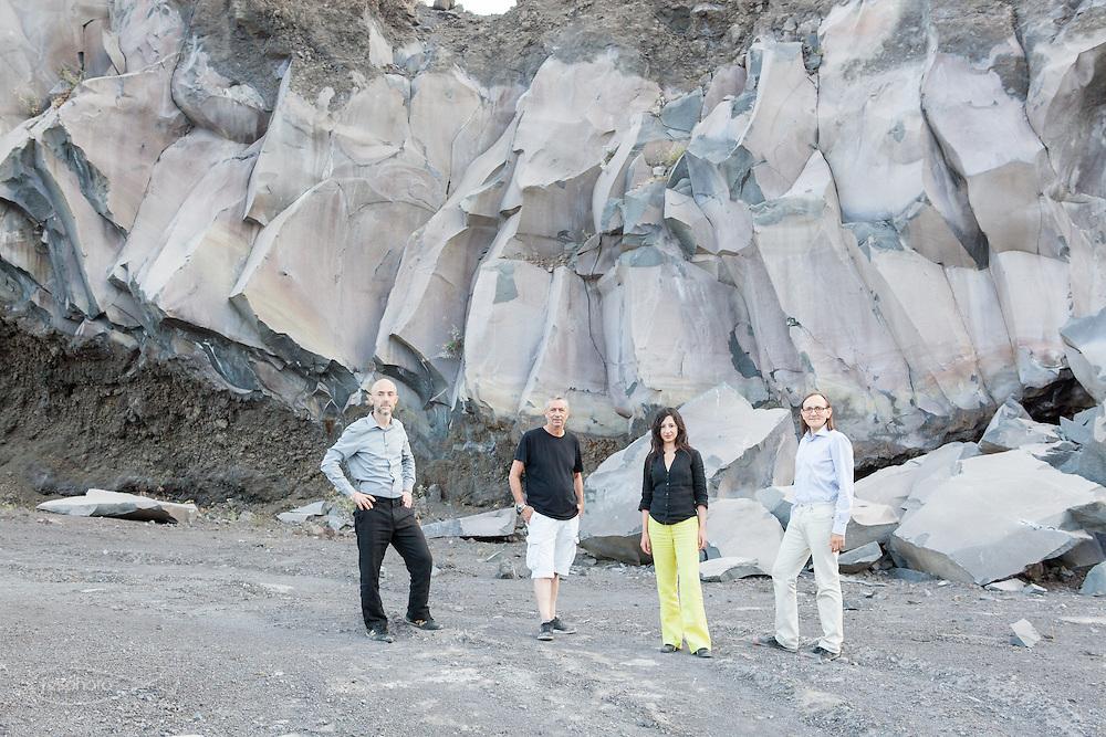 Etna(CT) - Studiocharlie (Rovato - BS) e Rosario Parrinello in visita ad una cava di pietra lavica.