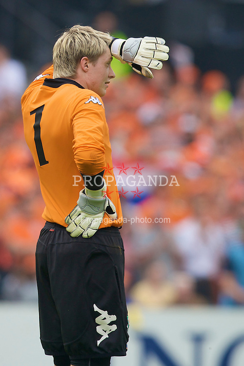 ROTTERDAM, THE NETHERLANDS - Sunday, June 1, 2008: Wales' goalkeeper Wayne Hennessey looks dejected as the Netherlands score the second goal during the international friendly match at the de Kuip Stadium. (Photo by David Rawcliffe/Propaganda)