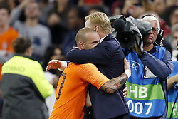 (L-R) Wesley Sneijder of Holland, coach Ronald Koeman of Holland during the International friendly match match between The Netherlands and Peru at the Johan Cruijff Arena on September 06, 2018 in Amsterdam, The Netherlands