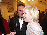 Sally  Greene and A.A. Gill. Old Vic. 15 February 2001. © Copyright Photograph by Dafydd Jones 66 Stockwell Park Rd. London SW9 0DA Tel 020 7733 0108 www.dafjones.com