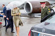 Koning Willem Alexander en Koningin Maxima<br /> komen aan op de luchthaven van Dublin voor het staatsbezoek in Ierland <br /> <br /> King Willem Alexander and Queen Maxima arrive at Dublin airport for the state visit to Ireland