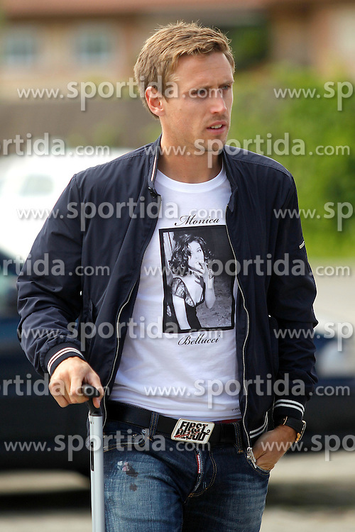 21.05.2012, Ciudad del Futbol, Madrid, ESP, UEFA EURO 2012, Trainingscamp, Spanien, abreise der Mannschaft ins Trainingslager nach Schruns in Oesterreich, im Bild Spanish national football player Ignacio Monreal Eraso departure of spanish national football team to the team's training camp in Schruns in Austria // during the preparation UEFA EURO 2012 at Ciudad del Futbol, Madrid, Spain on 2012/05/21. EXPA Pictures © 2012, PhotoCredit: EXPA/ Alterphotos/ Alconada..***** ATTENTION - OUT OF ESP and SUI *****