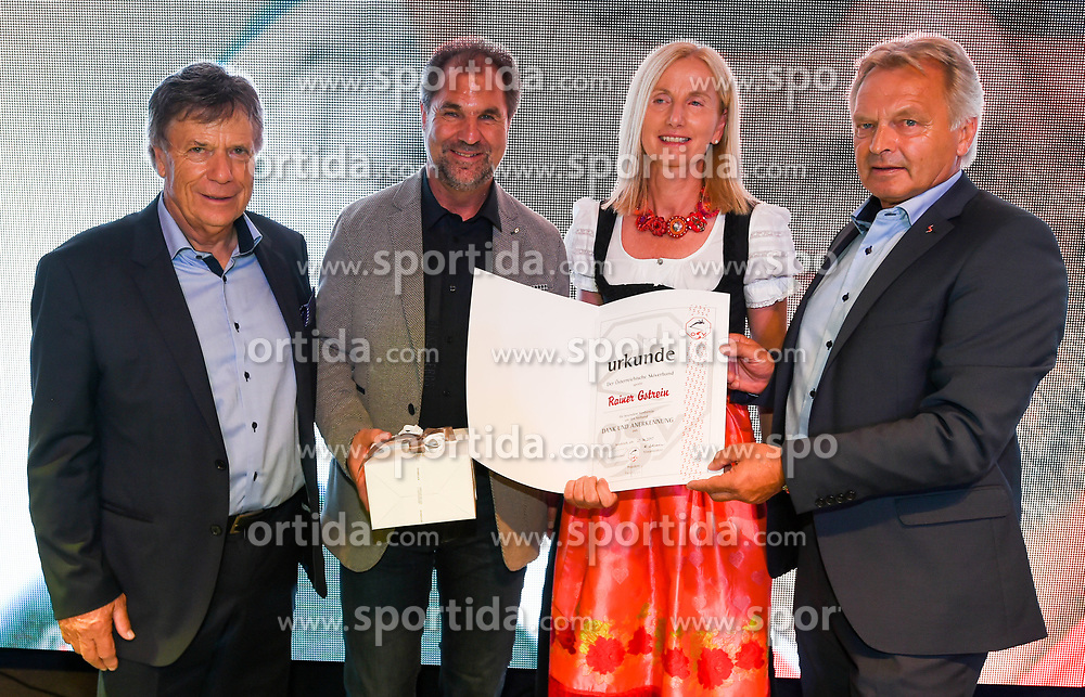 23.06.2017, Saalbach Hinterglemm, AUT, OeSV, Präsidentenkonferenz, Festabend, im Bild Verabschiedung Rainer Gstrein // during the Austrian Skifederation Presidential Conference Gala in Saalbach Hinterglemm, Austria on 2017/06/23. EXPA Pictures © 2017, PhotoCredit: EXPA/ Erich Spiess