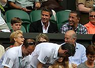 Wimbledon 2010,Sport, Tennis, ITF Grand Slam Tournament,David Beckham und sein Sohn als Zuschauer auf der Tribuene..Foto: Juergen Hasenkopf..