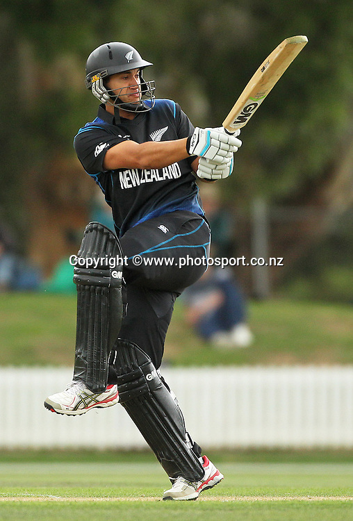 Ross Taylor of the Black Caps batting during the ICC Cricket World Cup warm up game between the Black Caps v Zimbabwe at Bert Sutcjliffe Oval, Lincoln, Christchurch. 9 February 2015 Photo: Joseph Johnson / www.photosport.co.nz