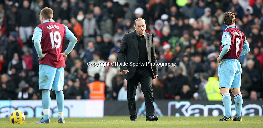 26/12/2010 - Barclays Premier League - Fulham vs. West Ham United - West Ham manager Avram Grant - Photo: Simon Stacpoole / Offside.