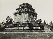 De Tjandi Prambanan ten oosten van Jogjakarta