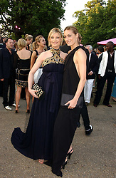 Left to right, LINDA EVANGELISTA and YASMIN LE BON at the Serpentine Gallery Summer party sponsored by Yves Saint Laurent held at the Serpentine Gallery, Kensington Gardens, London W2 on 11th July 2006.<br />