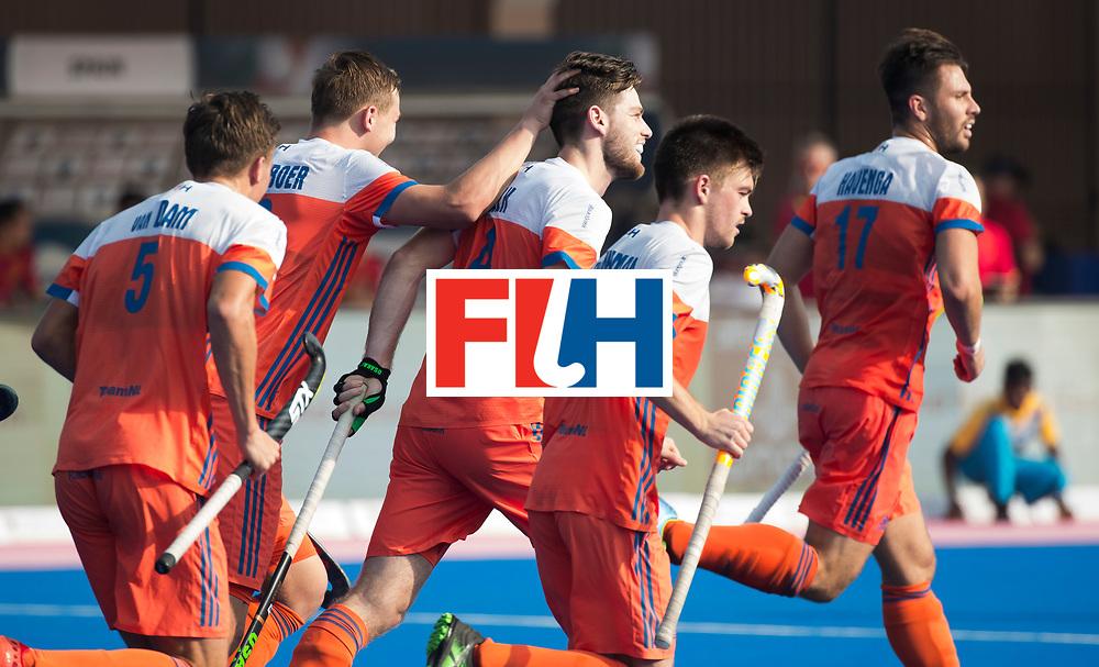 BHUBANESWAR -  Lars Balk (Ned) heeft gescoord    tijdens  de Hockey World League Final wedstrijd Nederland-Spanje (2-3).  COPYRIGHT  KOEN SUYK