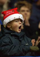 Fotball<br /> Premier League England 2004/2005<br /> Foto: SBI/Digitalsport<br /> NORWAY ONLY<br /> <br /> 19/12/2004 - FA Barclays Premiership<br /> Portsmouth v Arsenal<br /> <br /> A young Portsmouth fan gets into the festive spirit