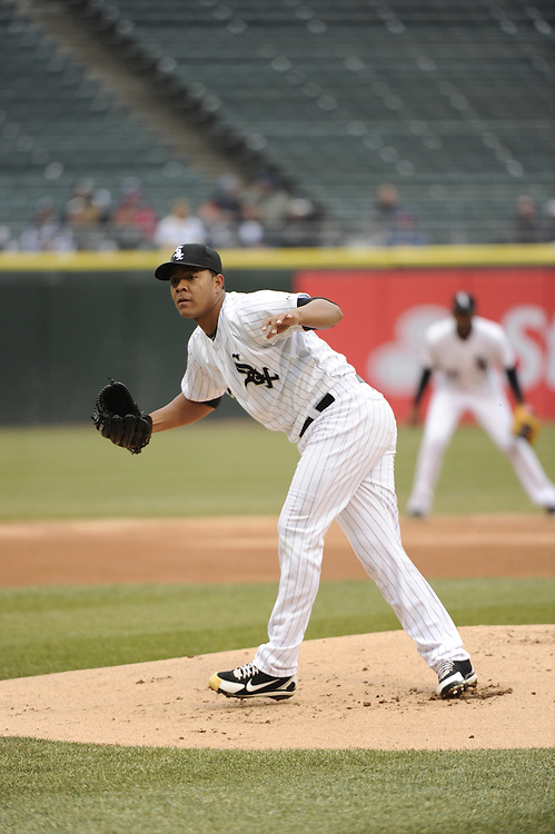 CHICAGO - APRIL 03:  Carlos Quintana #62 of the Chicago White Sox pitches against the Kansas City Royals on April 3, 2014 at U.S. Cellular Field in Chicago, Illinois.  (Photo by Ron Vesely)