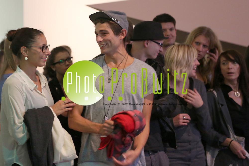 Mannheim. 13.10.12 Kunsthalle. Artgenossen feiern Party in der Kunsthalle. Kunst vs. Party / Party vs. Kunst. <br /> <br /> <br /> Bild: Markus Pro&szlig;witz 14OCT12 /masterpress /