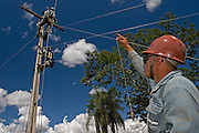 Funilandia_MG, Brasil...Eletrificacao rural no projeto Luz para Todos em Funiandia, Minas Gerais...Rural electrification, in the Luz para Todos project in Funilandia, Minas Gerais...Foto: JOAO MARCOS ROSA /  NITRO