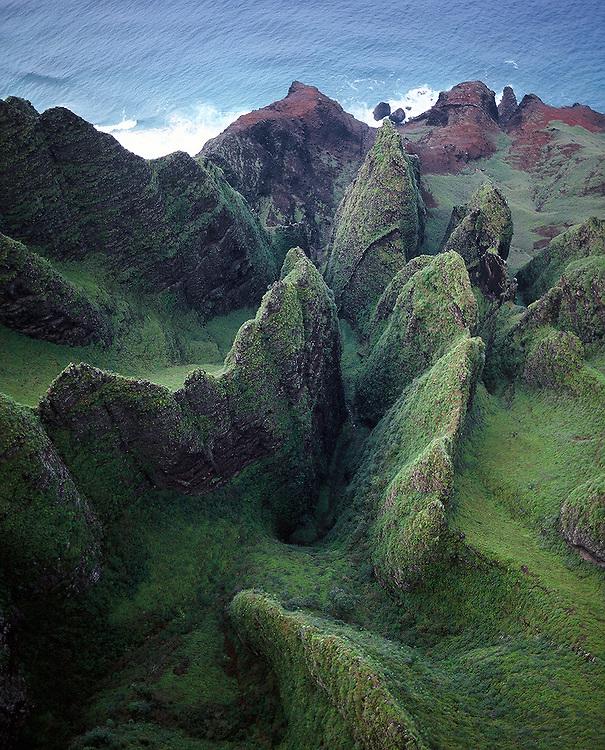 Velvet green cliffs along Napali coast in Kauai, Hawaii