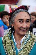 """Roma 23 Ottobre 2010.Marcia Internazionale per la Libertà dei popoli Birmano, Iraniano, Tibetano, Uyghuro.Rebiya Kadeer, leader nel campo dei diritti umani, attiva portavoce del Popolo Uyghuro, che vive nel Turkestan Orientale (conosciuto come Regione Autonoma dello XinjiangUyghuro), nel Nordovest della Cina. Nel 2000, a seguito di un processo segreto, fu condannata ad otto anni di reclusione, di cui due di isolamento dal governo cinese,vive negli USA con status di rifugiata e considerata come la """"madre spirituale"""" del popolo uyghuro..Rome October 23,2010.Marcia International Freedom of the people of Burma, Iran, Tibetan, Uyghur.Political activist and Uighur leader Rebiya Kadeer"""