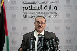 November 18, 2018 - Gaza City, Gaza Strip, Palestinian Territory - Deputy Minister of of Public Works, Naji Sarhan, speaks during a press conference in Gaza city, on November 18, 2018  (Credit Image: © Ashraf Amra/APA Images via ZUMA Wire)