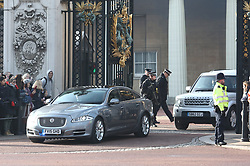 © Licensed to London News Pictures. 06/11/2019. London, UK. Boris Johnson leaves Buckingham Palace after informing the Queen of the dissolution of Parliament and the start of the General Election 2019 campaign. Photo credit: Alex Lentati/LNP