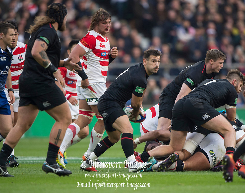 Twickenham, United Kingdom, Saturday, 17th  November 2018, RFU, Rugby, Stadium, England,  Danny CARE, looking, to pass the ball, during the Quilter Autumn International, England vs Japan, © Peter Spurrier