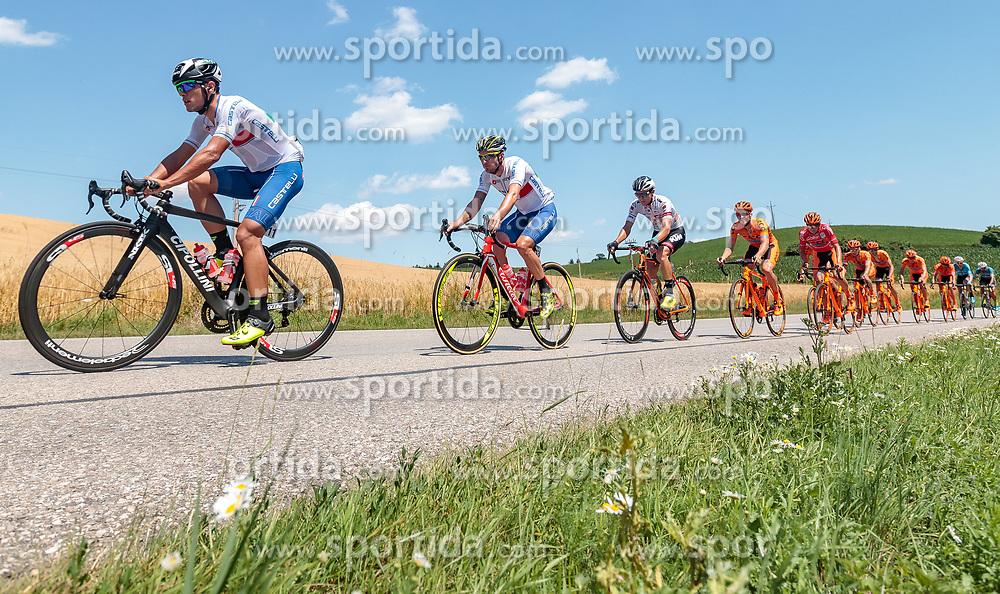 05.07.2017, Altheim, AUT, Ö-Tour, Österreich Radrundfahrt 2017, 3. Etappe von Wieselburg nach Altheim (226,2km), im Bild Vincenzo Albanese (ITA, Nationale Italiana), Manuel Belletti (ITA, Nationale Italiana), Sebastian Schoenberger (AUT, Tirol Cycling Team) // Vincenzo Albanese (ITA, Nationale Italiana), Manuel Belletti (ITA, Nationale Italiana), Sebastian Schoenberger (AUT, Tirol Cycling Team) during the 3rd stage from Wieselburg to Altheim (199,6km) of 2017 Tour of Austria. Altheim, Austria on 2017/07/05. EXPA Pictures © 2017, PhotoCredit: EXPA/ JFK