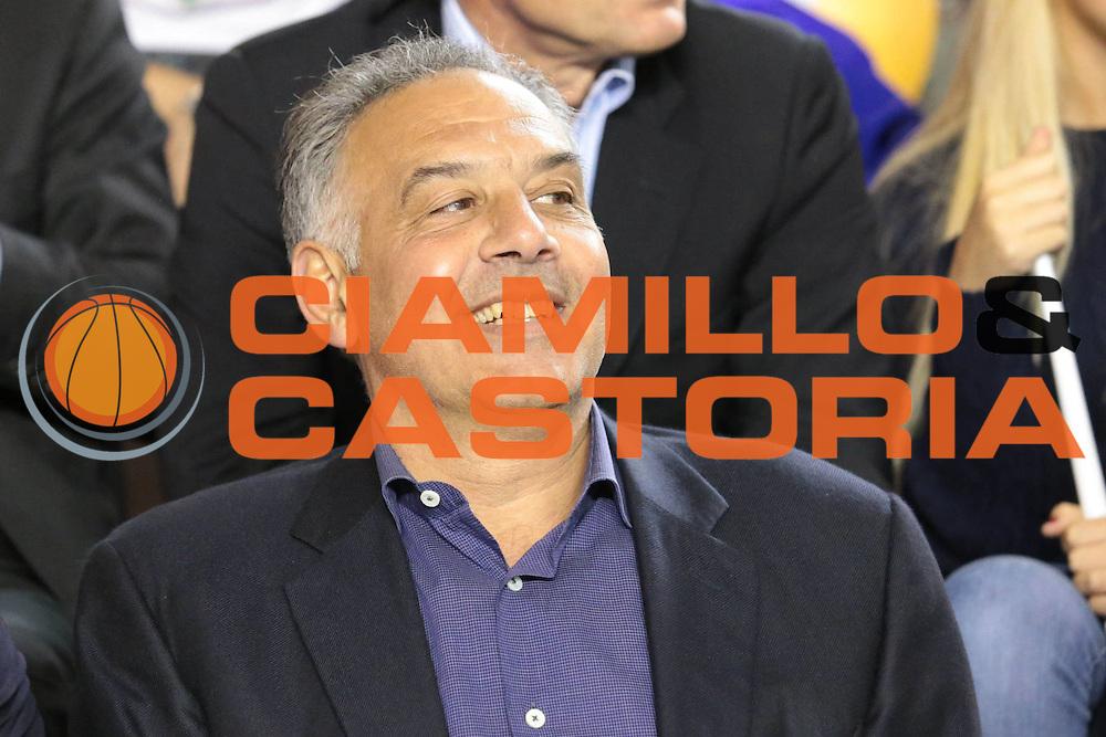 DESCRIZIONE : Roma Lega A 2012-2013 Acea Roma Lenovo Cantu playoff semifinale gara 1<br /> GIOCATORE : James Pallotta<br /> CATEGORIA : ritratto pre game curiosita<br /> SQUADRA :<br /> EVENTO : Campionato Lega A 2012-2013 playoff semifinale gara 1<br /> GARA : Acea Roma Lenovo Cantu<br /> DATA : 24/05/2013<br /> SPORT : Pallacanestro <br /> AUTORE : Agenzia Ciamillo-Castoria/M.Simoni<br /> Galleria : Lega Basket A 2012-2013  <br /> Fotonotizia : Roma Lega A 2012-2013 Acea Roma Lenovo Cantu playoff semifinale gara 1<br /> Predefinita :